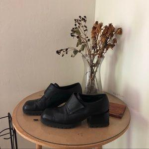 Vintage chunky oxford heels